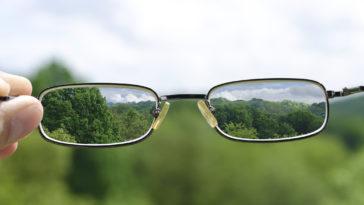 Размытое зрение через очки